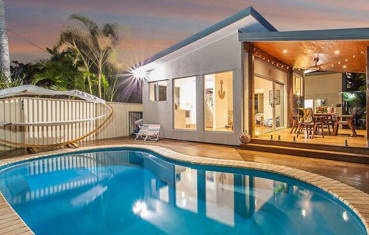 Beautiful Margate Retreat with Pool - Margate - Casa