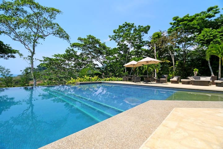 Ocean View Condo near Dominical with pool