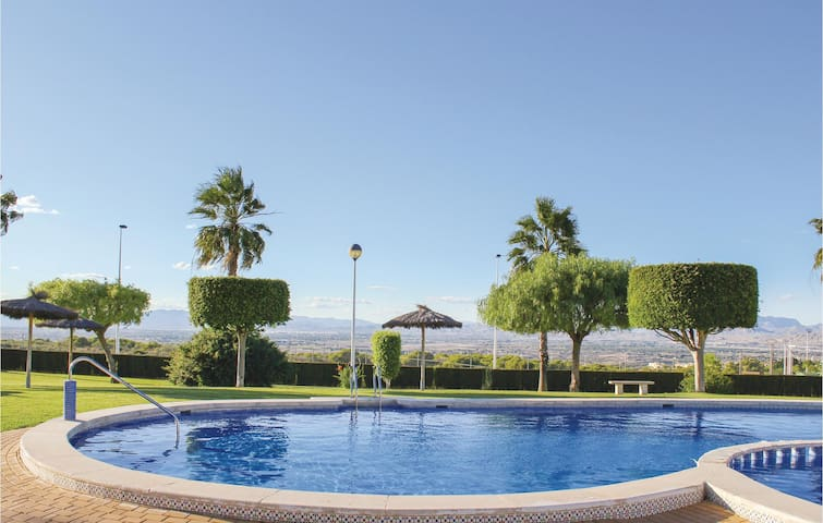 Holiday apartment with 2 bedrooms on 45m² in Santa Pola