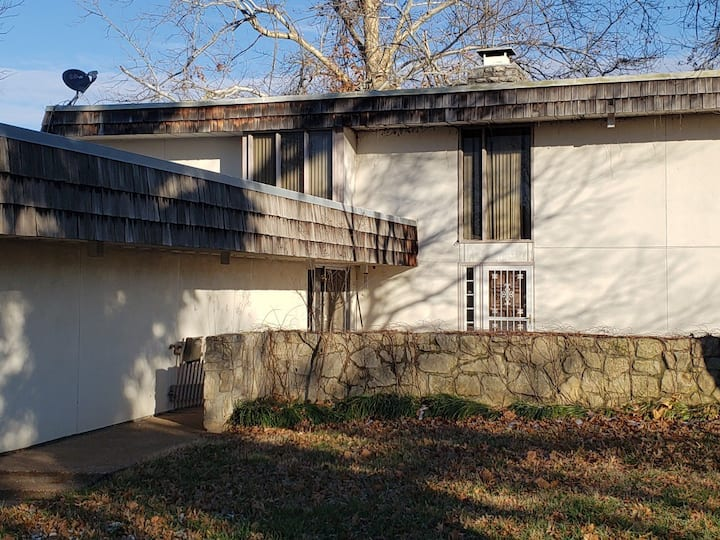 Privacy in Ponca City  home with invisible host