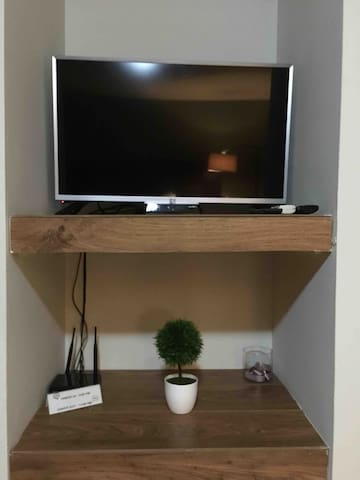 Smart-Tv, netflix,  axtel canales de  programación