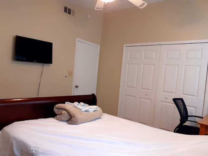 Big comfortable private ensuite room