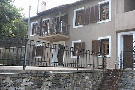 Wonderful cottage at Olympus mountain - Larisa - Hus