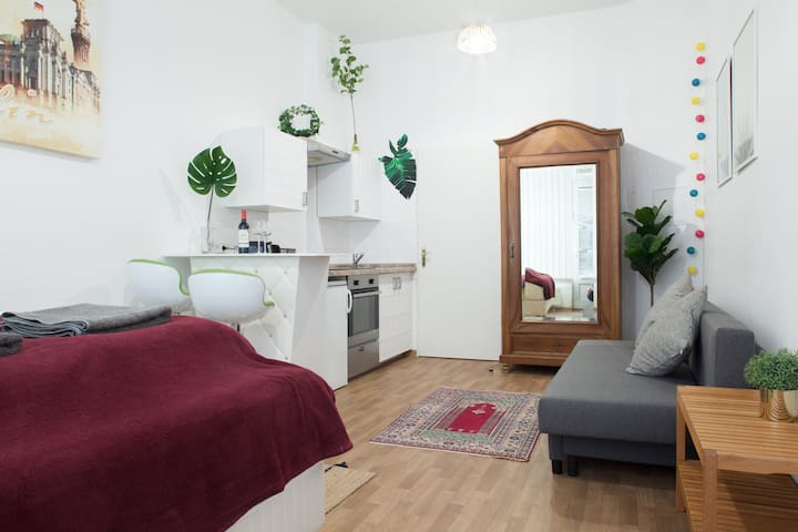Central, Stylish Apartment +Self Check-in