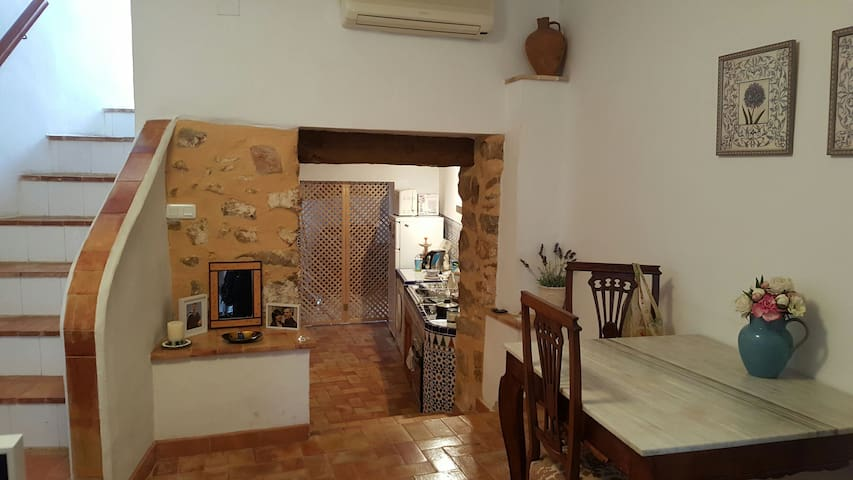 Lovely old Valencian town house. - Benidoleig - Bed & Breakfast