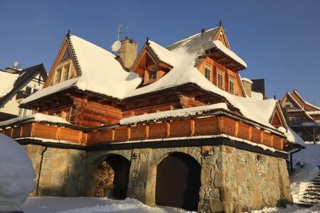Piękny, drewniany dom na Karpielówce - Kościelisko - Talo