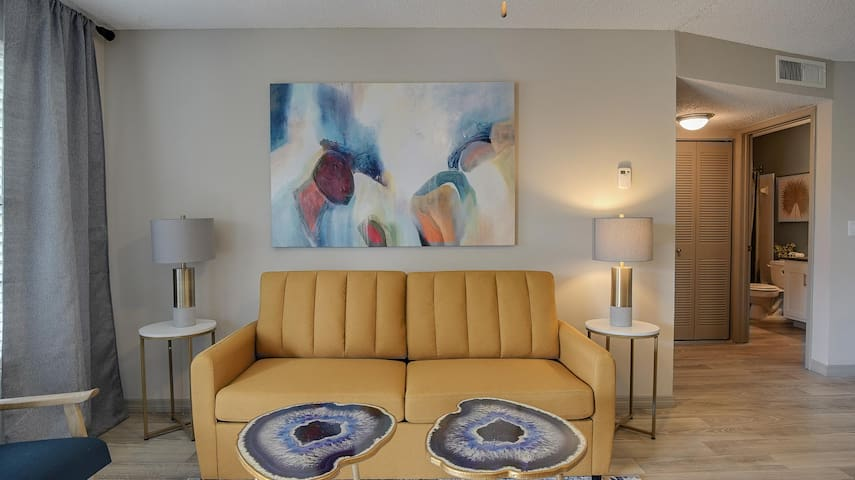 Retreat to a Hidden Gem at The Fountains (1Br/1BA)