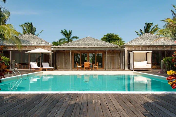 Residence Guest Villa 2 at COMO Parrot Cay