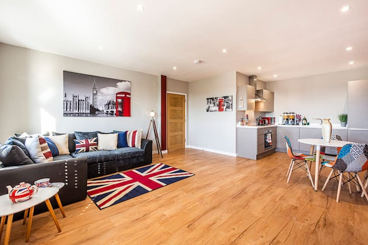 ★LONDON THEME★ Spacious City Centre Penthouse