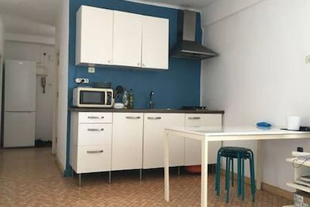 1 BDR Close to the beach and train&bus station