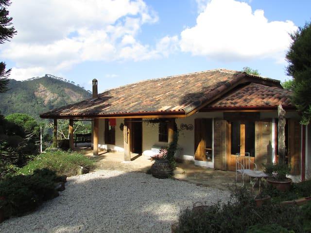 Casa na Montanha - São Francisco Xavier - São José dos Campos - House