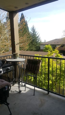 Cozy, sunny and quiet bedroom - Tigard - Apartment