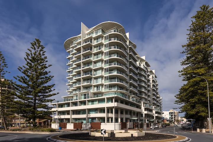 5-Star rated apartment in Glenelg South Australia