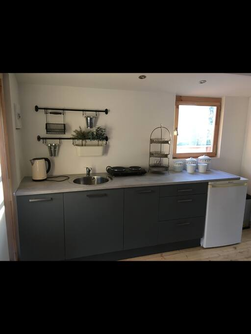 Lovely kitchen area - everything here that guests will need!