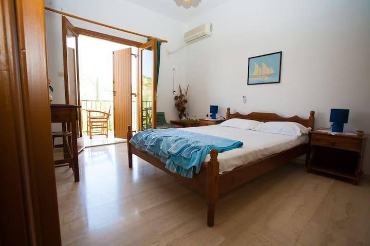 Apartment with Balcony - Lagkada - Condominio