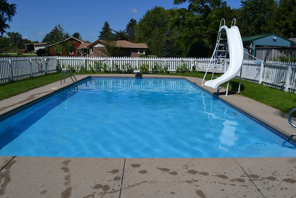 Pool available in Season