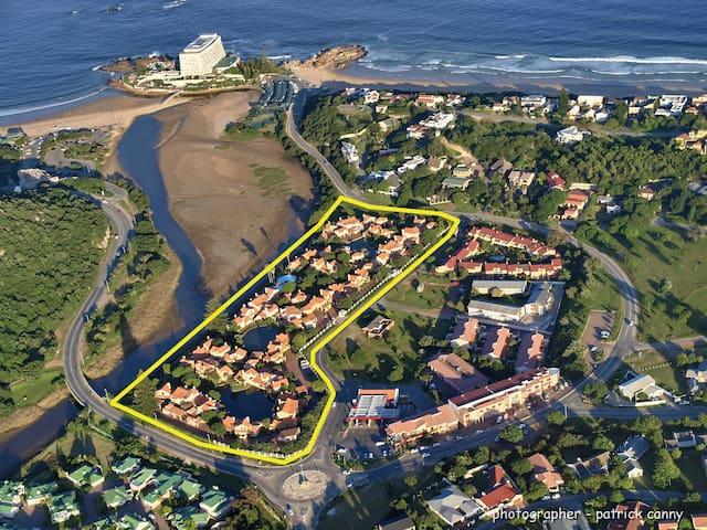 Easy lagoon and beach access