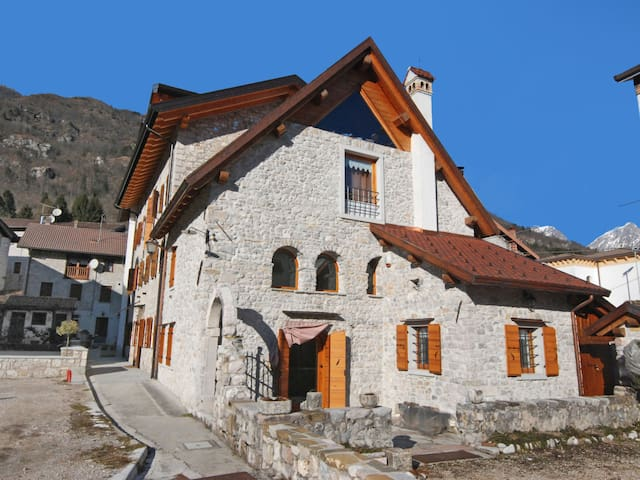 Holiday apartment Albergo Diffuso - Cjasa Ustin