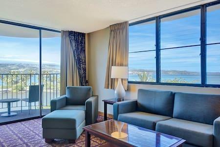 1 Bedroom Corner Suite w/Ocean View - #650