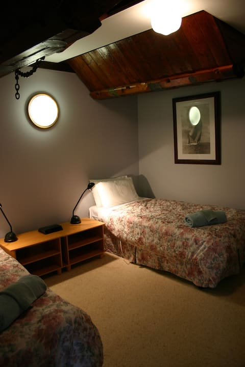 The Camperdown Mill - Three Bedroom Guest House