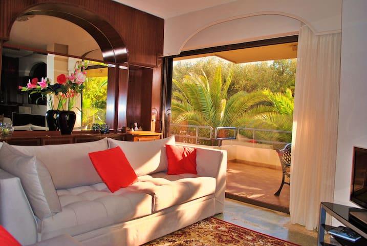 Sunny beach apartment near Sounion! (Verified)