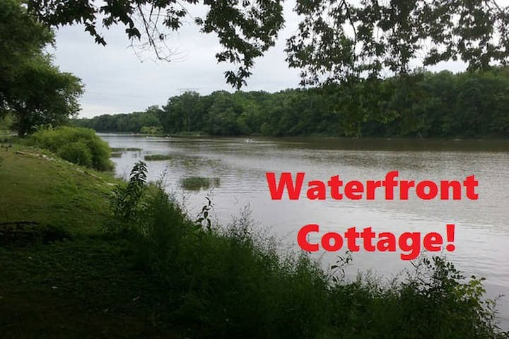 Rustic Waterfront Cottage with free Kayaks & Canoe - Waterville - Huis
