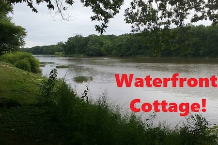 Rustic Waterfront Cottage with free Kayaks & Canoe - Waterville - บ้าน