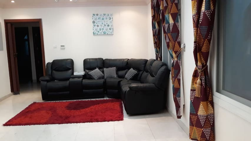 Spacious Villa in Sharjah! Up to 6 guests