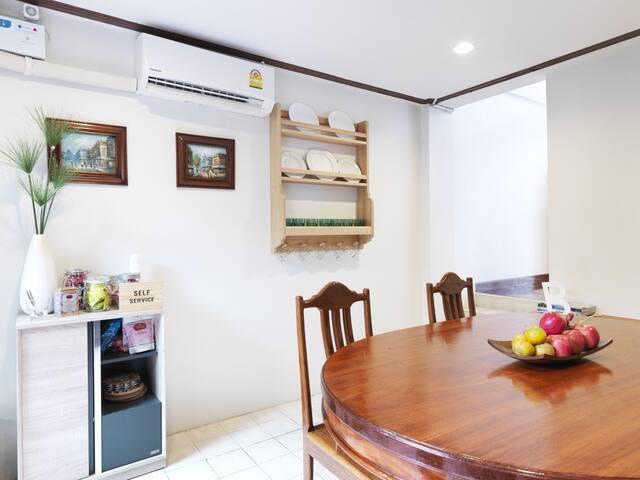 Dinning area/ Self-service