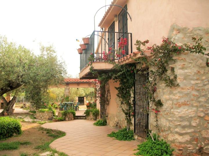 Maison de 4 chambres à Ampolla, Tarragone, avec jardin clos - à 1 km de la plage