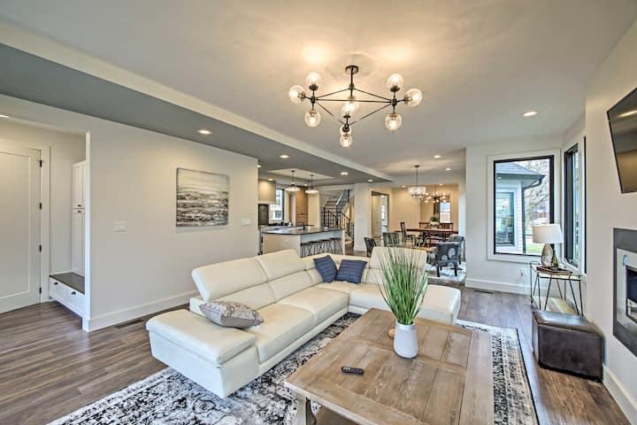 Indianapolis Luxury: House w/Yard <2Mi to Downtown