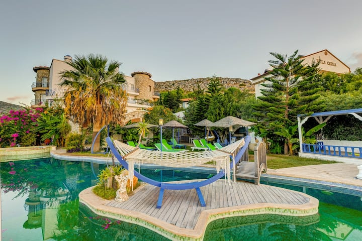 22m2 Double Room with Balcony | Villa Asina