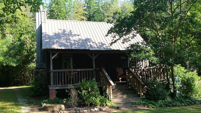 MEADOW LAKE CABIN - Chelsea - Stuga