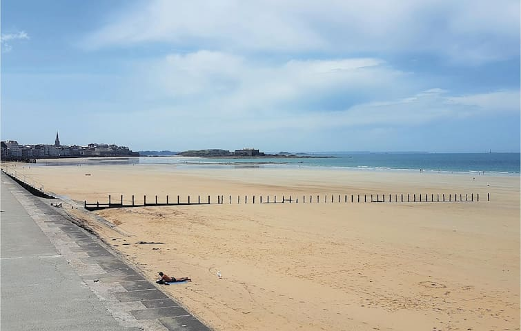 Holiday apartment with 2 bedrooms on 70m² in Saint Malo
