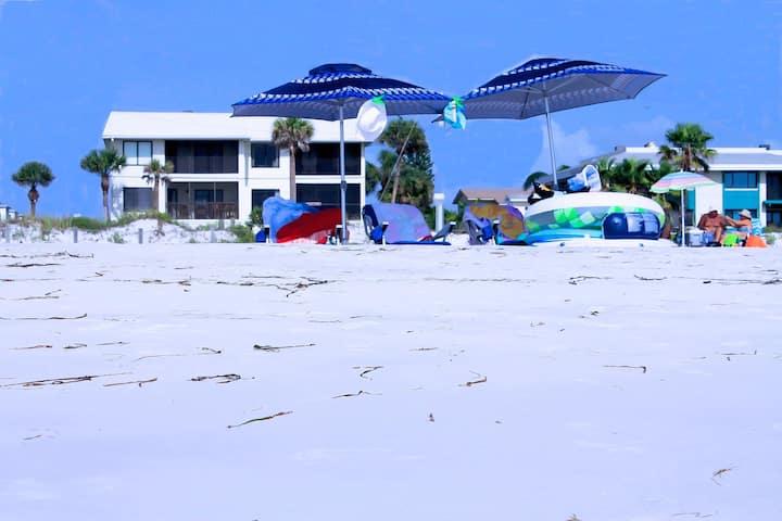 Anna Maria Island Beach Sands-Private Beach Access-Heated Pool