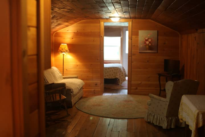 Riverside Lodge & Sauna - 1 Bedroom w/kitchen