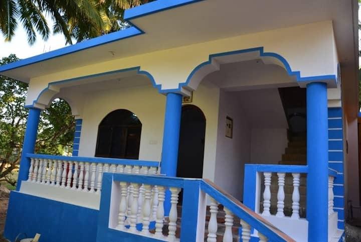 Severina's 2BHK House @Ashvem Beach