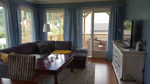 Nice and cozy apartament near Ålesund ( 3 km)