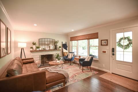 *Cozy & Central*: 3 BR w Outdoor Space & Playset