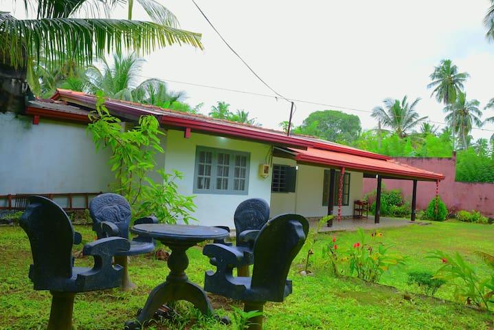 Full house villa for 23$ hikkaduwa. Big garden
