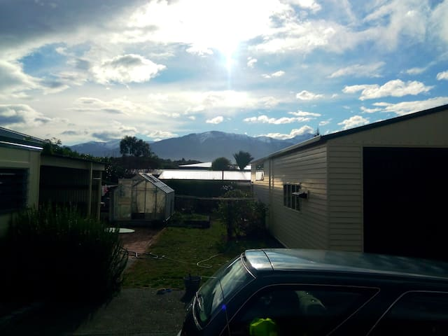 Close to town,nice and cozy!! - Kaikoura