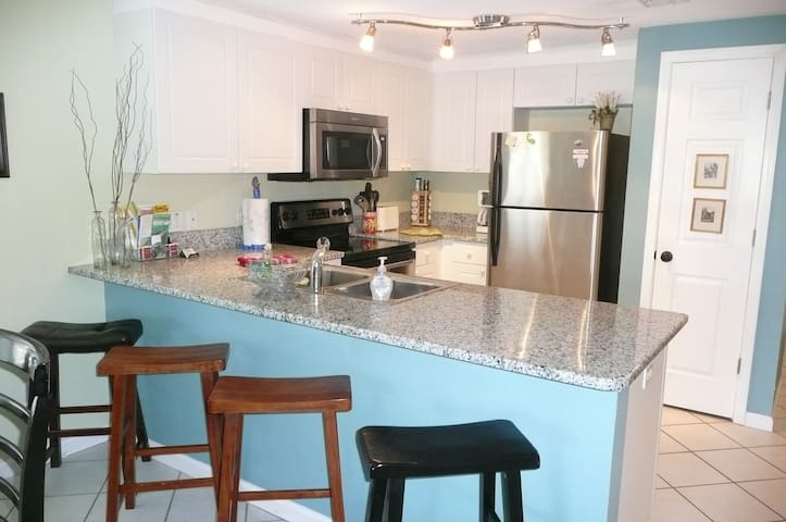 See the Beach! 2 Bdrm Condo - Miramar Beach - Apartamento