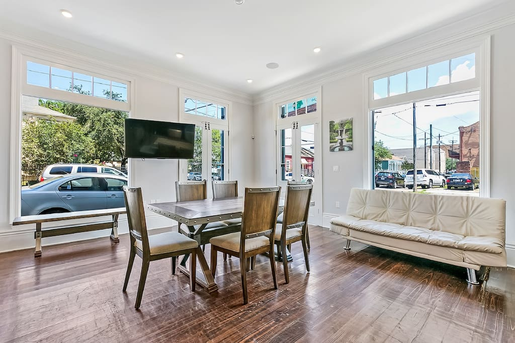 Our host was very accommodating, easy to communicate with, and the house was immaculate! The pictures don't do it justice, very spacious with really nice furnishings. - Kristen
