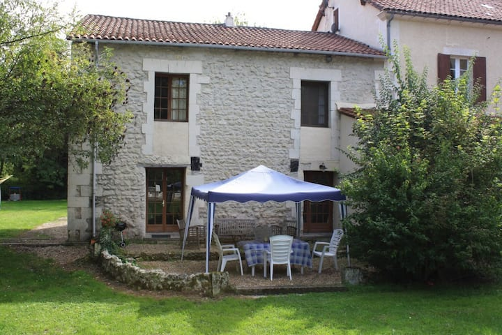 Les Baignades, Cottage and Pool, Chalais SW France