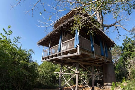 Tree houses by the sea - Mafia Island