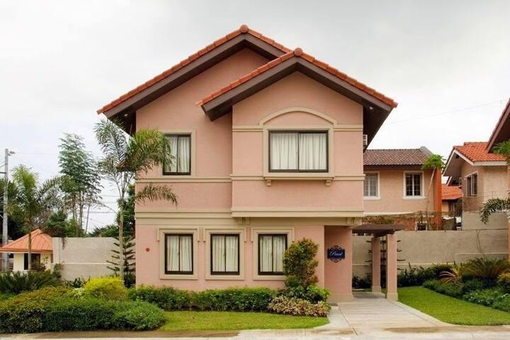 Near Evia VistaAlabang Family House - Daanghari Alabang - Casa