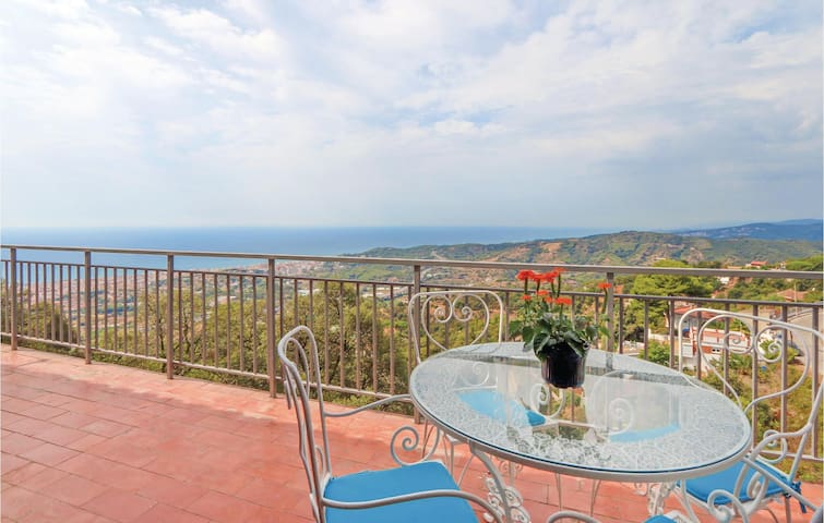 Holiday cottage with 2 bedrooms on 60m² in Pineda de Mar