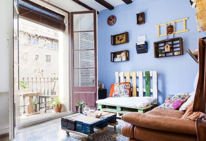 Room for 2  in unique El Born Apartment (181)