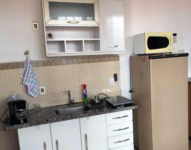 Apartamento quarto/sala/cozinha, lavanderia e WIFI - Araraquara - Apartamento