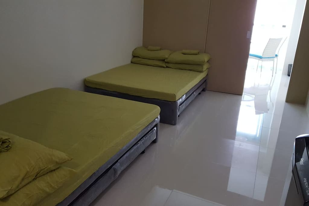 2 Queen Size Bed with Pullout Bed